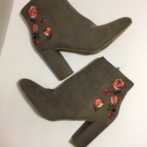 NEW Report Sierra Embroidered Ankle Booties Sz 10